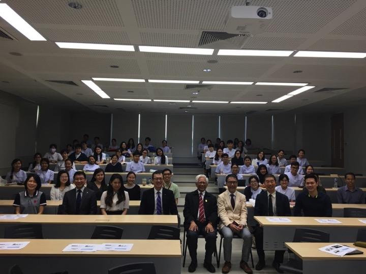 タイ・タマサート大学にて講演
